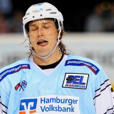 Die Anstrengungen des Spiels sind bei Freezers Spieler Matias Loppi deutlich zu sehen