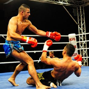 Ashkan Gohar hatte bis vor 2 Sekunden seinen Gegner Rhassan Muhareb (blaue Hose) gut im Griff und sah wie der Sieger aus.