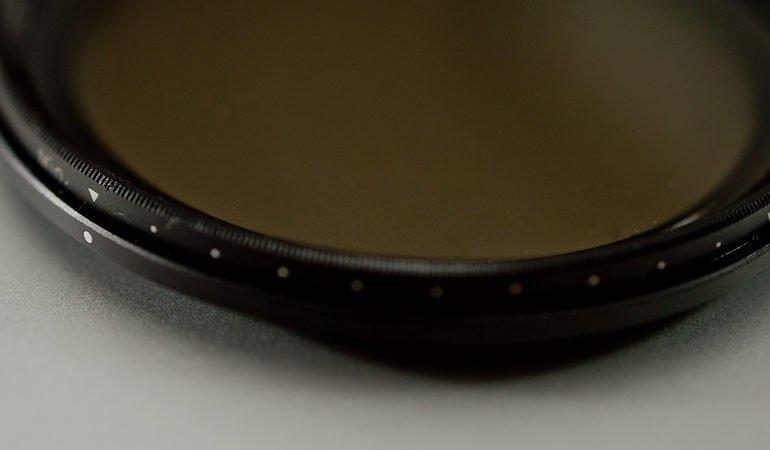 variabler Graufilter - durch verdrehen des Filters wird die Stärke des Effekts (Verlängern der Belichtungszeit) eingestellt.