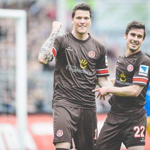 Daniel Ginczek und Fin Bartels