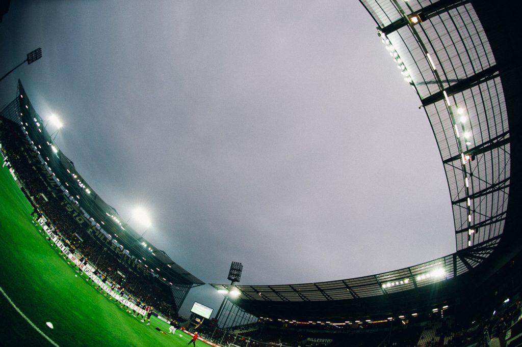 Die Mannschaft vom FC St. Pauli 2013 am Millerntor