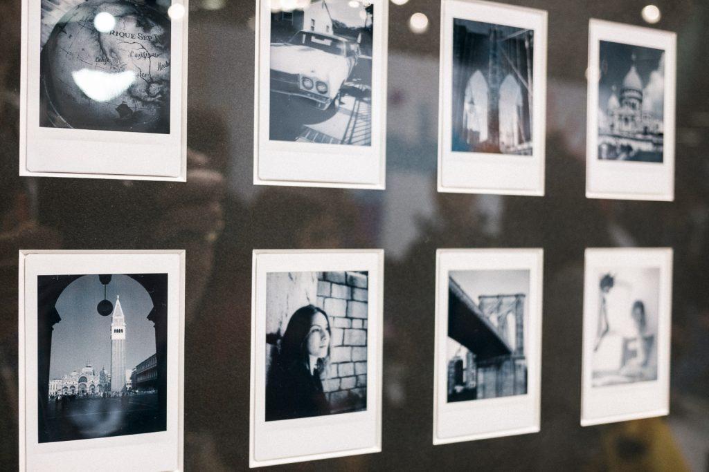 Fuji Monochrome Sofortbilder mit blaustich