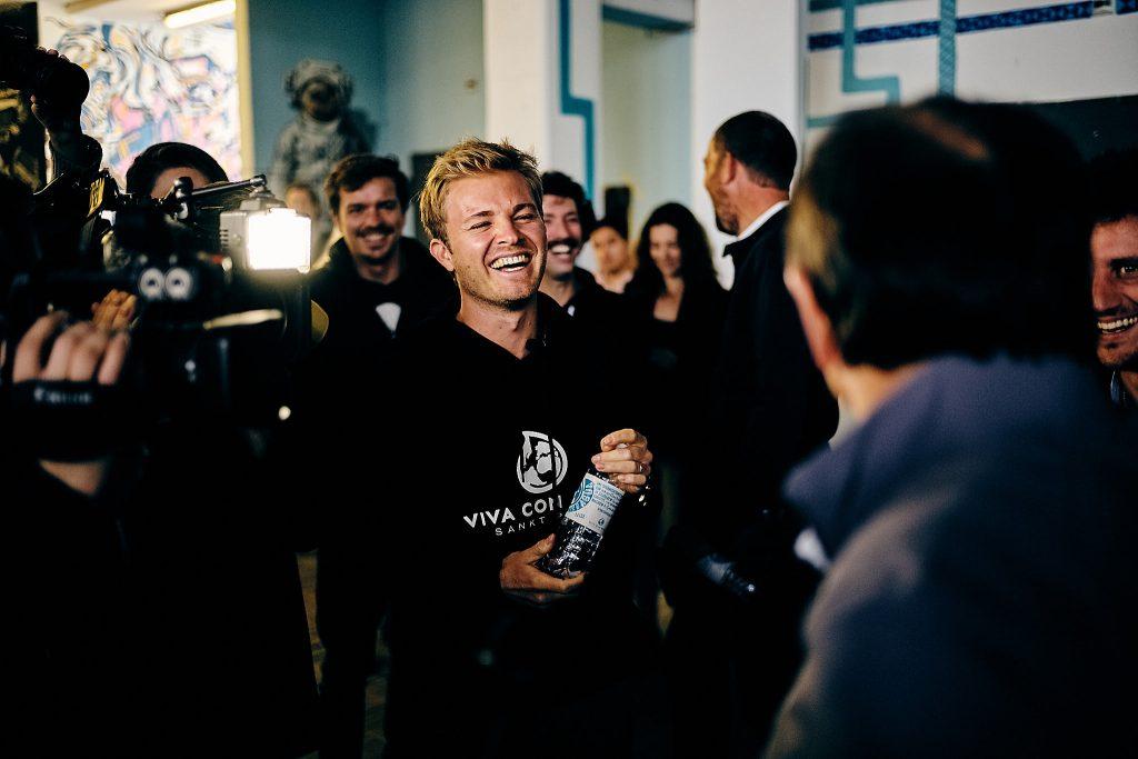 Nico Rosberg hat Spaß mit Ewald Lienen