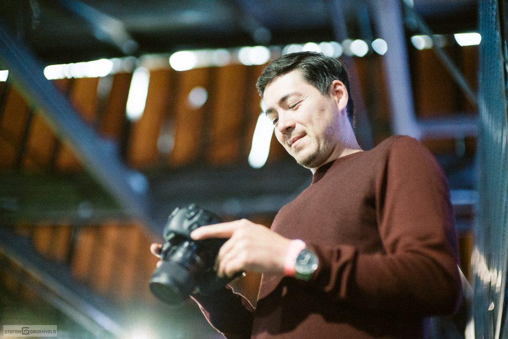 Topfotograf Pascal Bünning checkt die ersten Ergebnisse