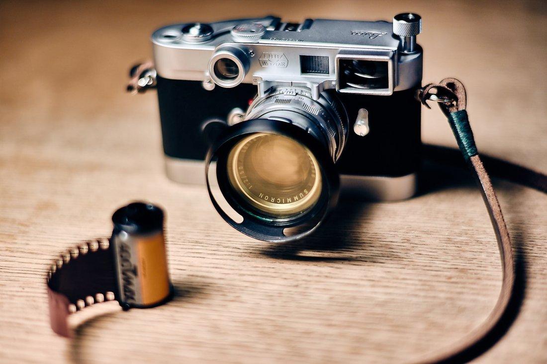 Leica MP mit Leica Nah-Summicron 50mm (und Gelbfilter)