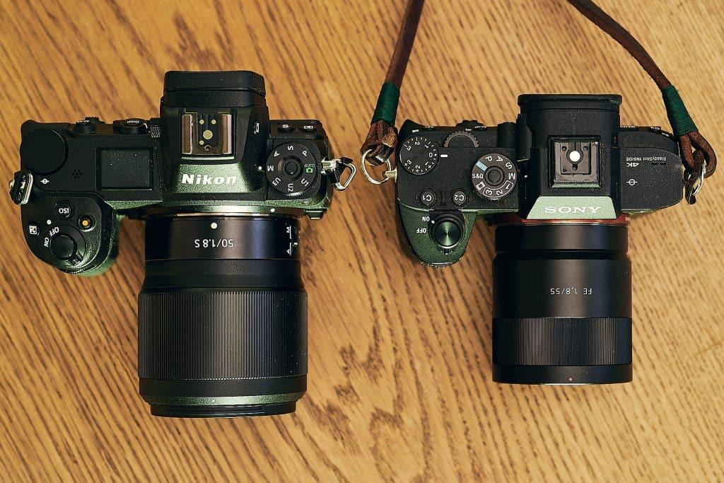 Nikon Z7 und Sony A7RIII mit vergleichbaren Optiken im Größenvergleich